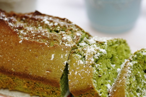 Only Mix and Bake!! Matcha Cake with White Chocolate