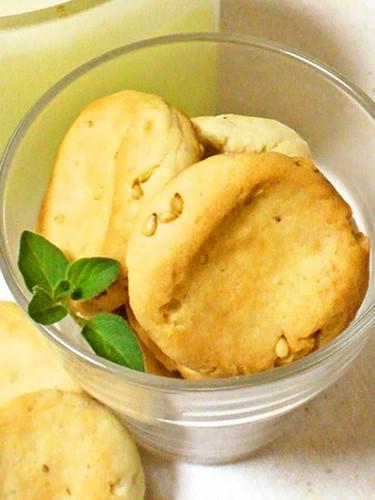 Easy Crispy Seame Cookies