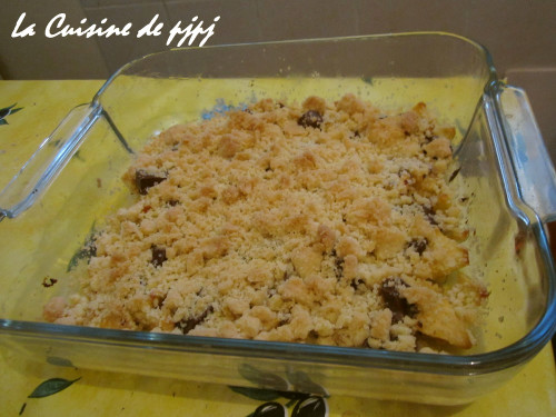 French-Style Chocolate Apple Crumble