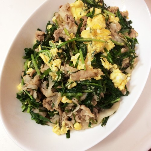 Fight Summer Fatigue! Our Pork, Chive, and Egg Stir-Fry