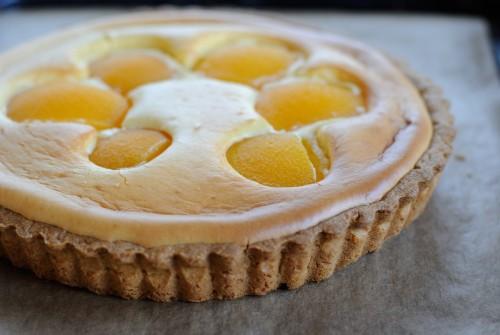 Cheesecake Tart with Yellow Peaches