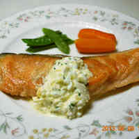 Easy Salmon Meunière with Tartare Sauce