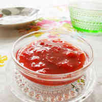 Easy Microwaved Strawberry Sauce