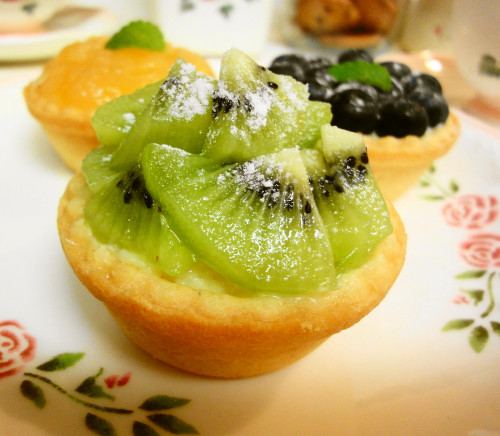 Fresh Kiwifruits & Custard Tart