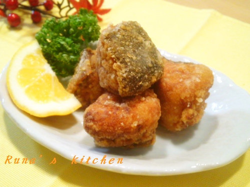 Bite-Sized Deep-Fried Autumn Salmon Zangi