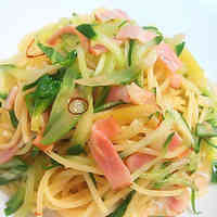 Spaghetti Aglio e Olio Peperoncino with Cucumber and Celery