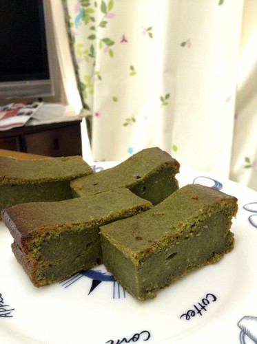 Rich Oil-free Matcha Chocolate Cake Made with Powdered Green Tea