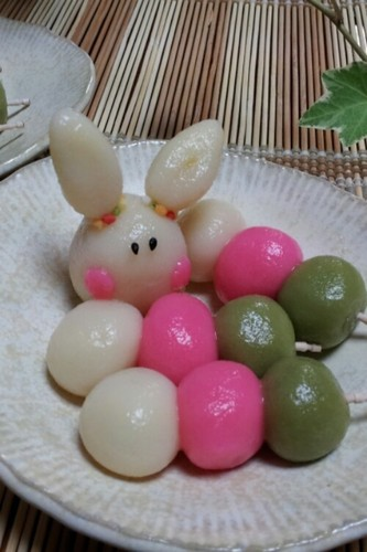 Healthy Tricolour Dango with Shiratamako and Silken Tofu