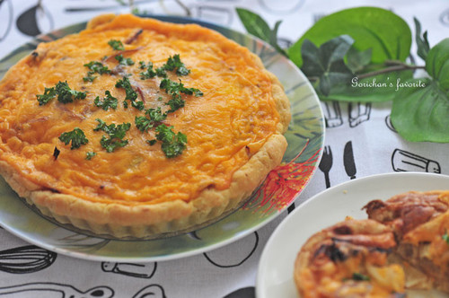 Dried Tomatoes and Cheddar Cheese Quiche