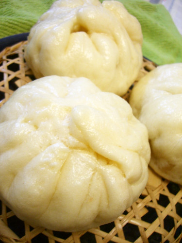 Juicy Nikuman (Steamed Pork Buns) in a Bread Maker