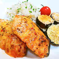 Oven-Baked Salmon with Sweet Chili Mayo Sauce
