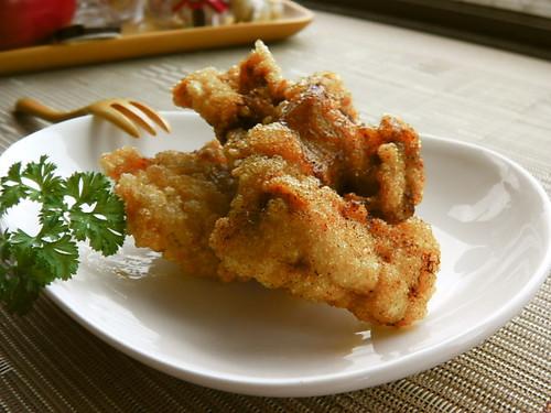 Deep-fried Soy Sauce and Garlic Chicken Thigh Marinated in Yogurt