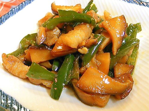 Sweet & Savory Shiitake Mushroom, Green Pepper, and Pork Belly Stir-fry