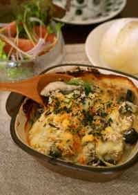 Oyster and Spinach Gratin with Soy Milk and White Miso Sauce