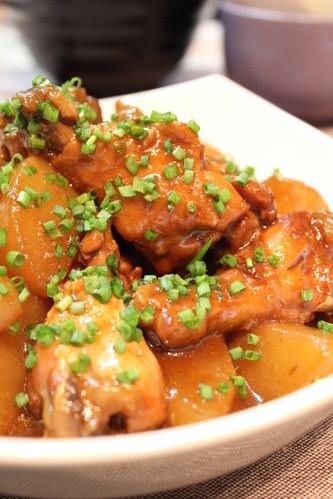 Pressure Cooked Chicken Drumettes & Daikon Radish