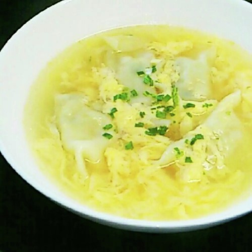Easy Egg Drop Gyoza Soup