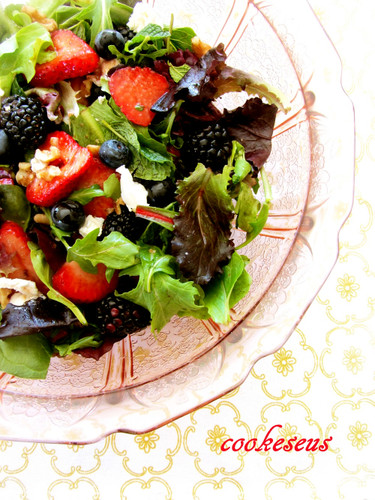 Nuts and Fresh Berries Balsamic Salad