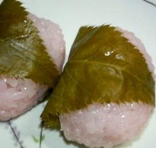 Easy! Microwavable Sakura Mochi (With Glutinous Mochi Rice)
