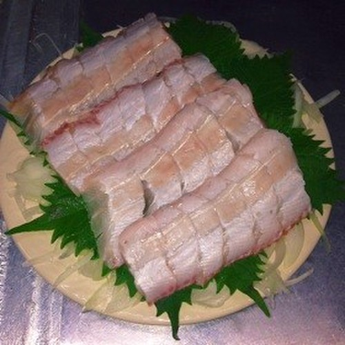 A Fisherman's Recipe for Largehead Hairtail Sashimi