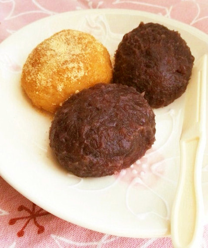 Easy Ohagi Rice Cakes Made with Pre-Cut Mochi and Rice
