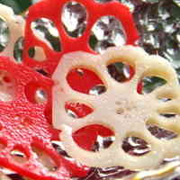 For Osechi and Special Occasions: Vibrant Red and White Vinegar-Pickled Lotus Root
