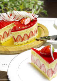 Le Fraisier (French-Style Strawberry Shortcake)