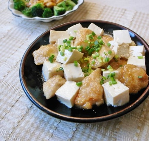 Chicken Breast and Tofu Simmer