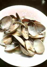 Sake-Steamed Manila Clams (Easy in the Microwave)