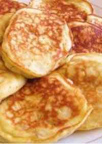 Pancakes Made with Nothing But Bananas and Eggs