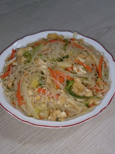Stir-Fried Harusame Glass Noodles with Napa Cabbage and Aburaage