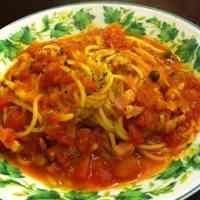 Soup Spaghetti with Tomato and Bacon