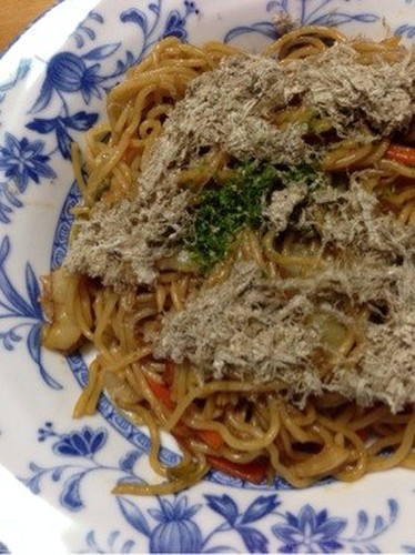 Yakisoba with Fluffy Shredded Kelp