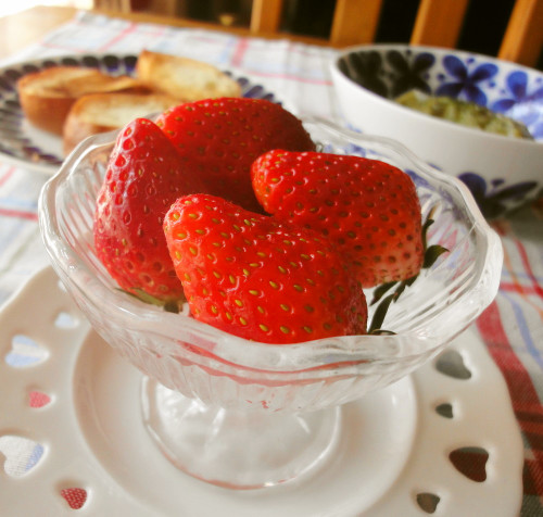 How to Choose and Prepare Strawberries