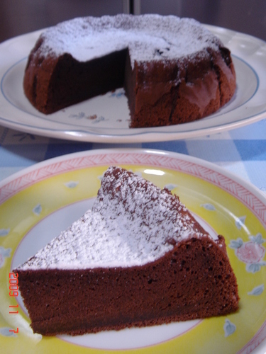 Simple Gateau au Chocolat With Cocoa