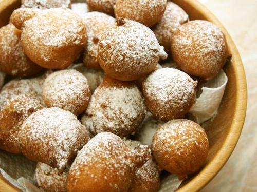 Fluffy Italian Donuts