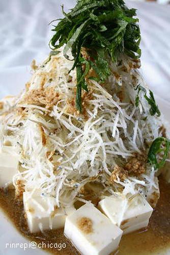 Tofu and Daikon Radish Salad with Chirimen Jako and Sesame Seeds