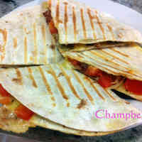 Super Easy Chorizo Quesadilla