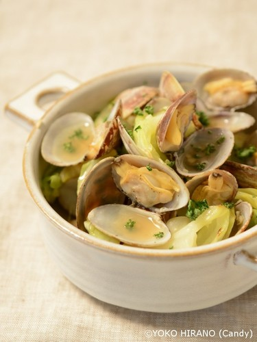 Sake-steamed Clams and Cabbage