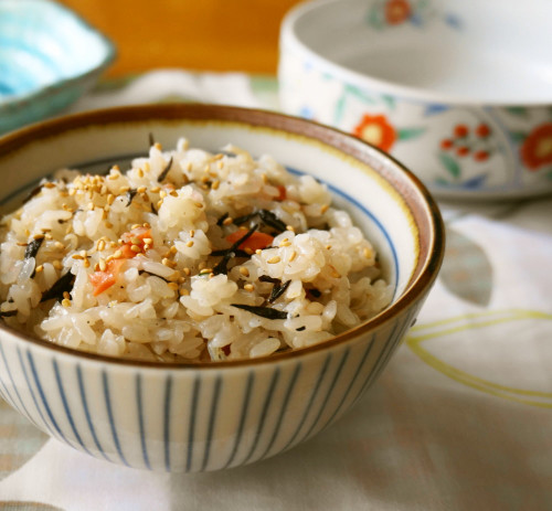 Steamed Sticky Rice with Hijiki, Umeboshi and Chirimen Jako