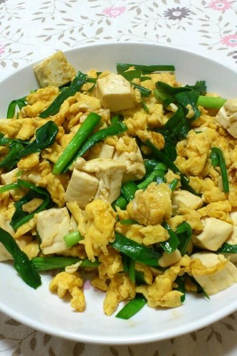 5 Minutes Egg with Garlic Chives & Tofu in Oyster Sauce