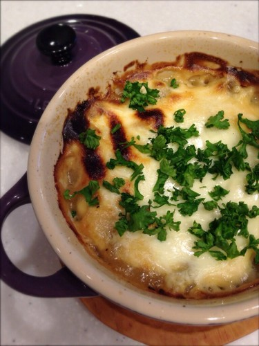 Easy Gratin with New Onions and Marscapone Cheese