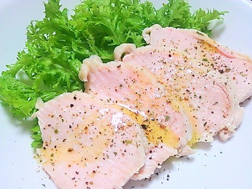 Moist Poached Chicken with Olive Oil