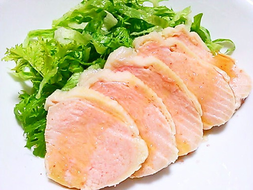Moist Boiled Chicken with Sesame Oil