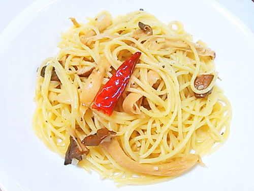 Oil Spaghetti with Dried King Oyster Mushrooms