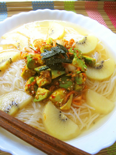Fruity Naengmyeon with Avocado and Kiwi