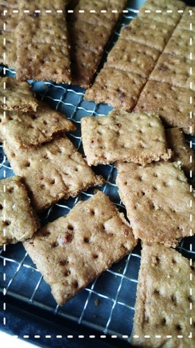 Crispy Graham Crackers