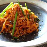 Quick Korean-Style Spicy Carrot Salad
