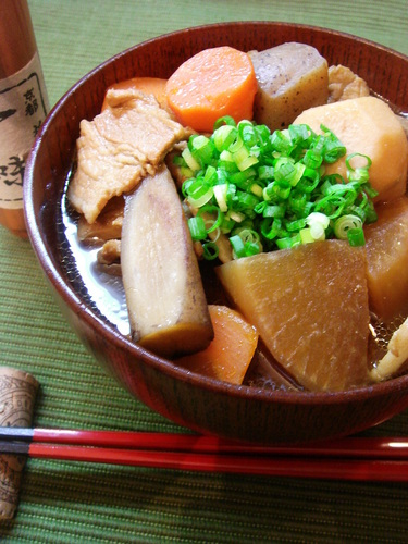Filling Tonjiru (miso soup with pork and vegetables)