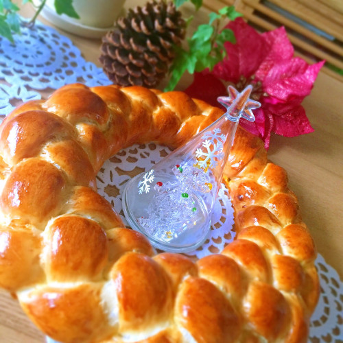 Christmas Bread Wreath