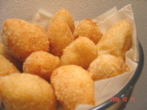 Coxinha (Brazilian Croquettes)